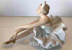 Vintage Wallendorf Porcelain Ballerina White Tutu EXCELLENT CONDITION